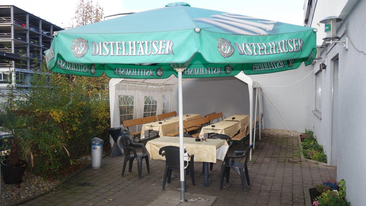 Kleiner Biergarten im Neckarsulm Schichtwechsel